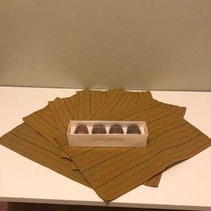 6 cloth napkins & 4 napkin rings